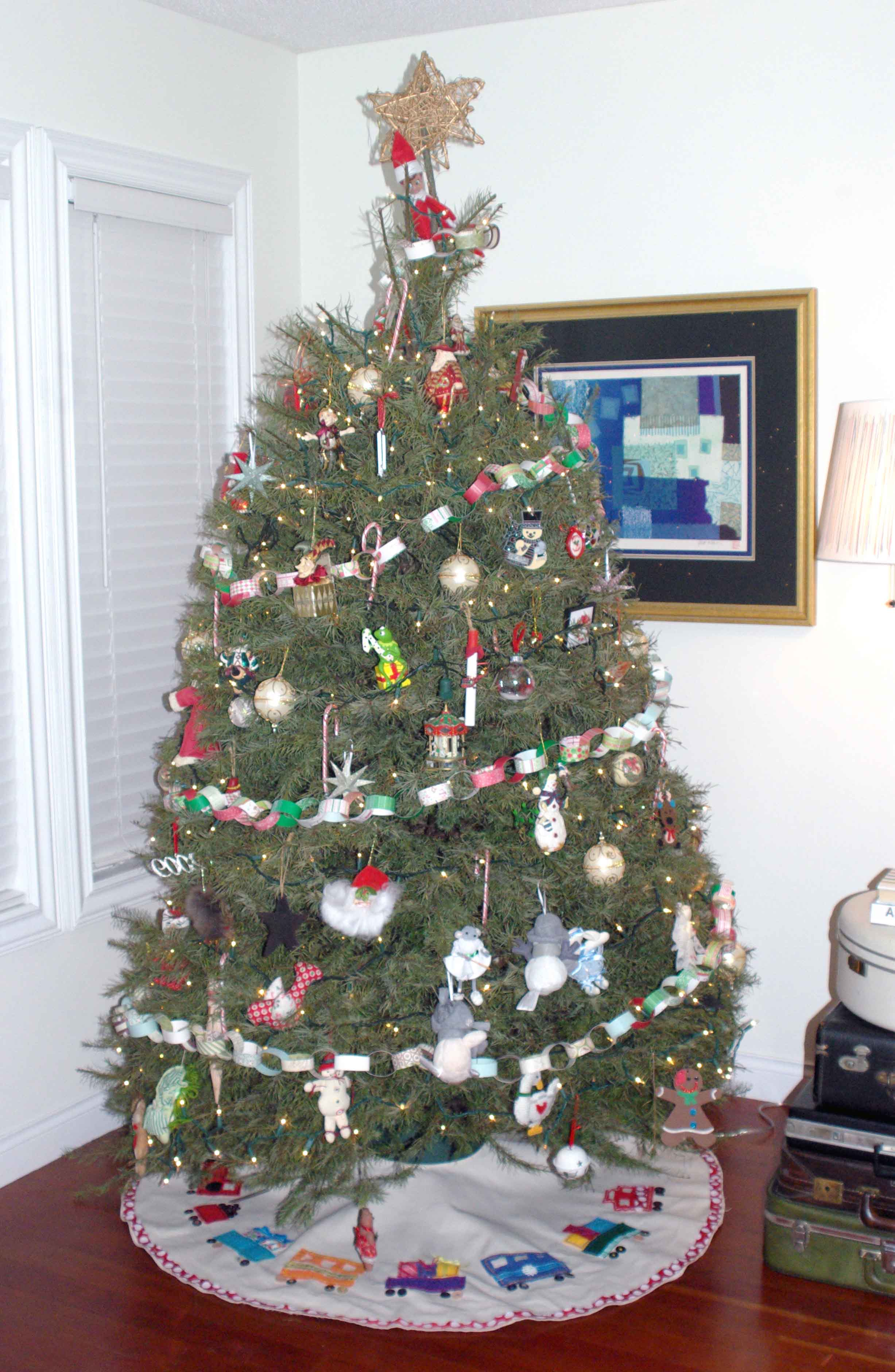 Our Cross-dressing Christmas Tree – Making A Life