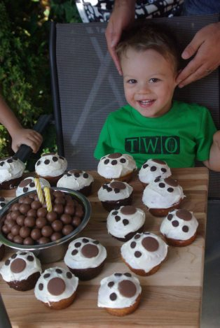 Logan and his happy cupcakes