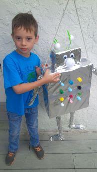 robot pinata