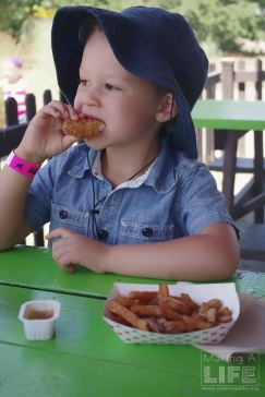 Lunch at Safari Niagara