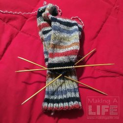 knitting-season-3_making-a-life