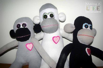 memory-monkeys-2_making-a-life