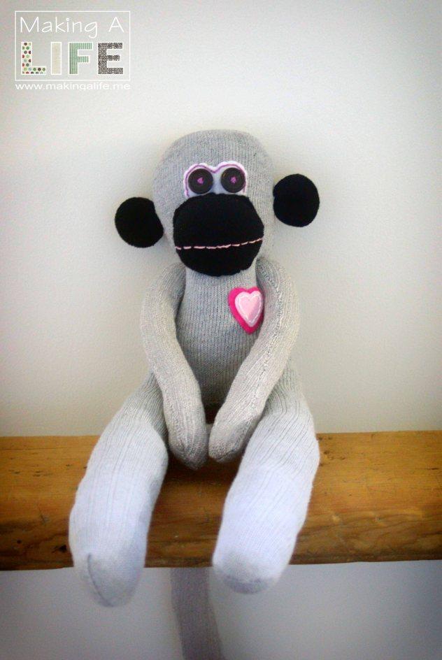 memory-monkeys-3_making-a-life