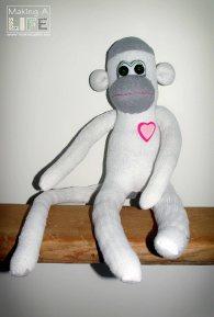 memory-monkeys-4_making-a-life