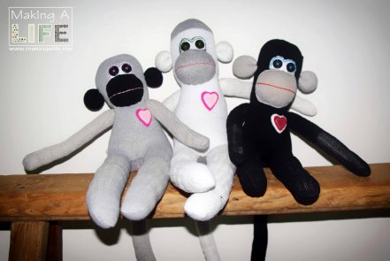 memory-monkeys-5_making-a-life