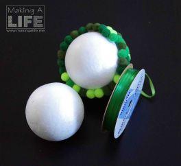 pom-pom-balls-2_making-a-life