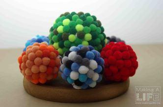 pom-pom-balls-6_making-a-life