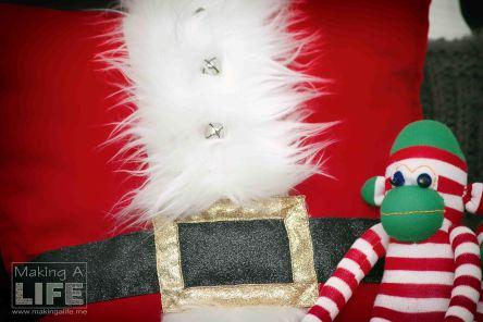 santa-pillow-1_making-a-life