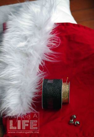santa-pillow-5_making-a-life